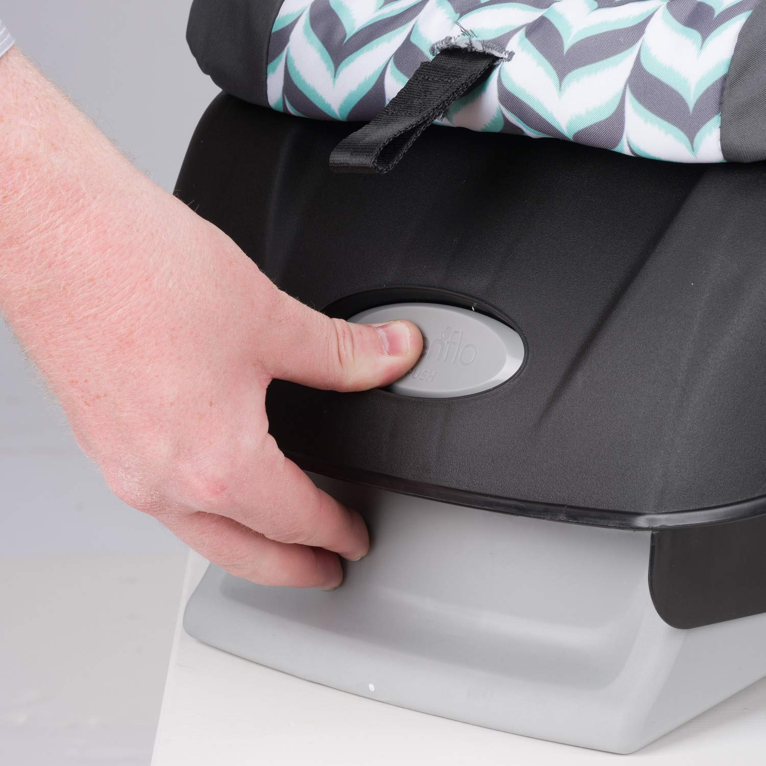 Evenflo Vive Travel System with Embrace Infant Car Seat, Spearmint Spree by Evenflo (Image #6)