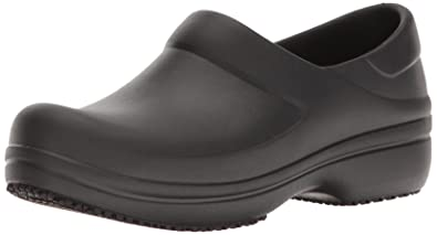 b62b9b10cfbe7 Amazon.com | Crocs Women's Neria Pro Work Clog | Mules & Clogs
