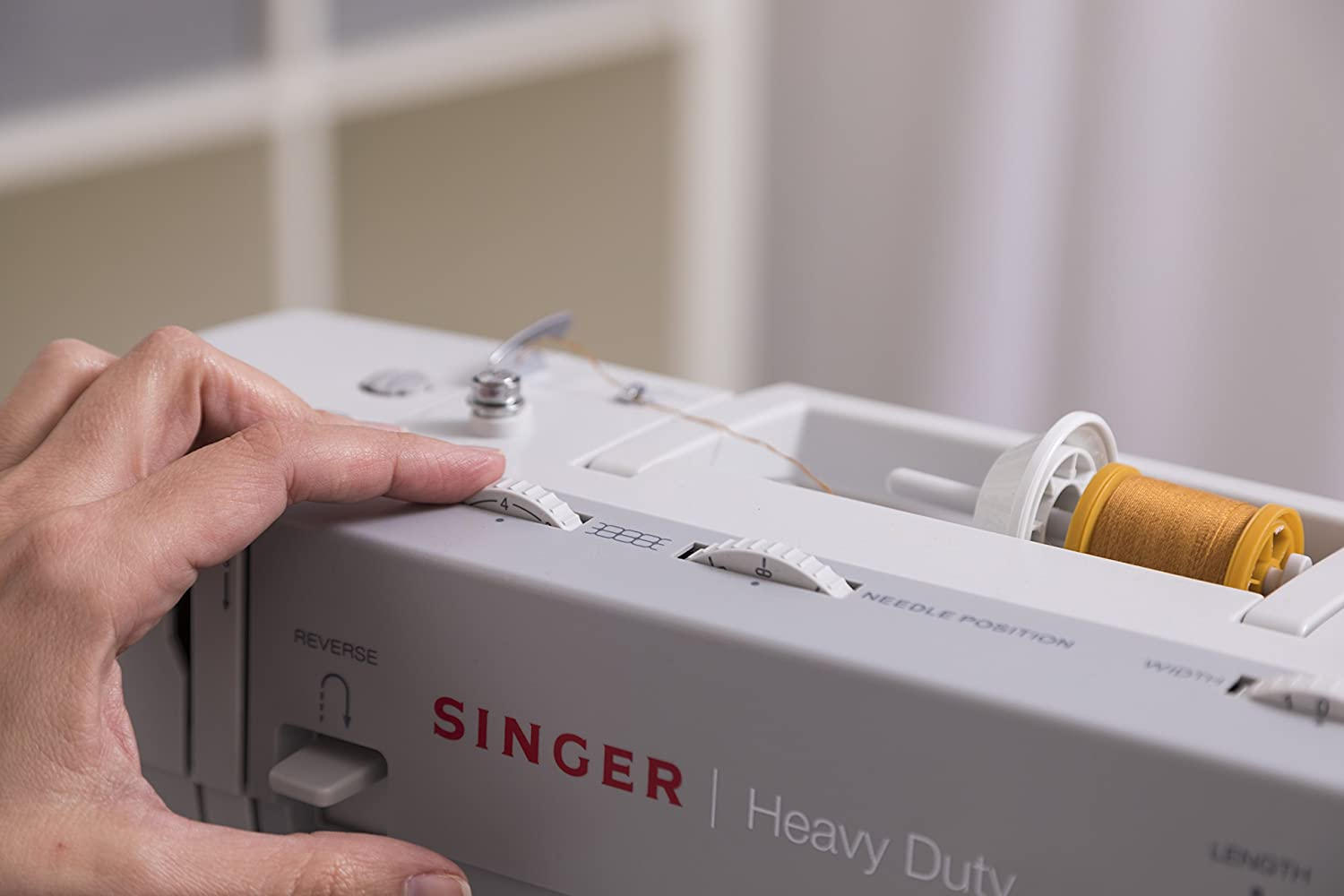 SINGER 4411 Sewing Machine side option