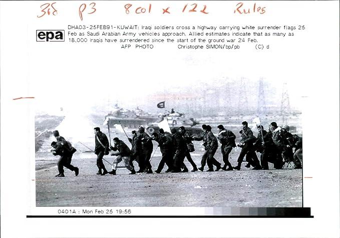 Amazon com: Vintage photo of Iraq war pow:iraqi soldiers cross a