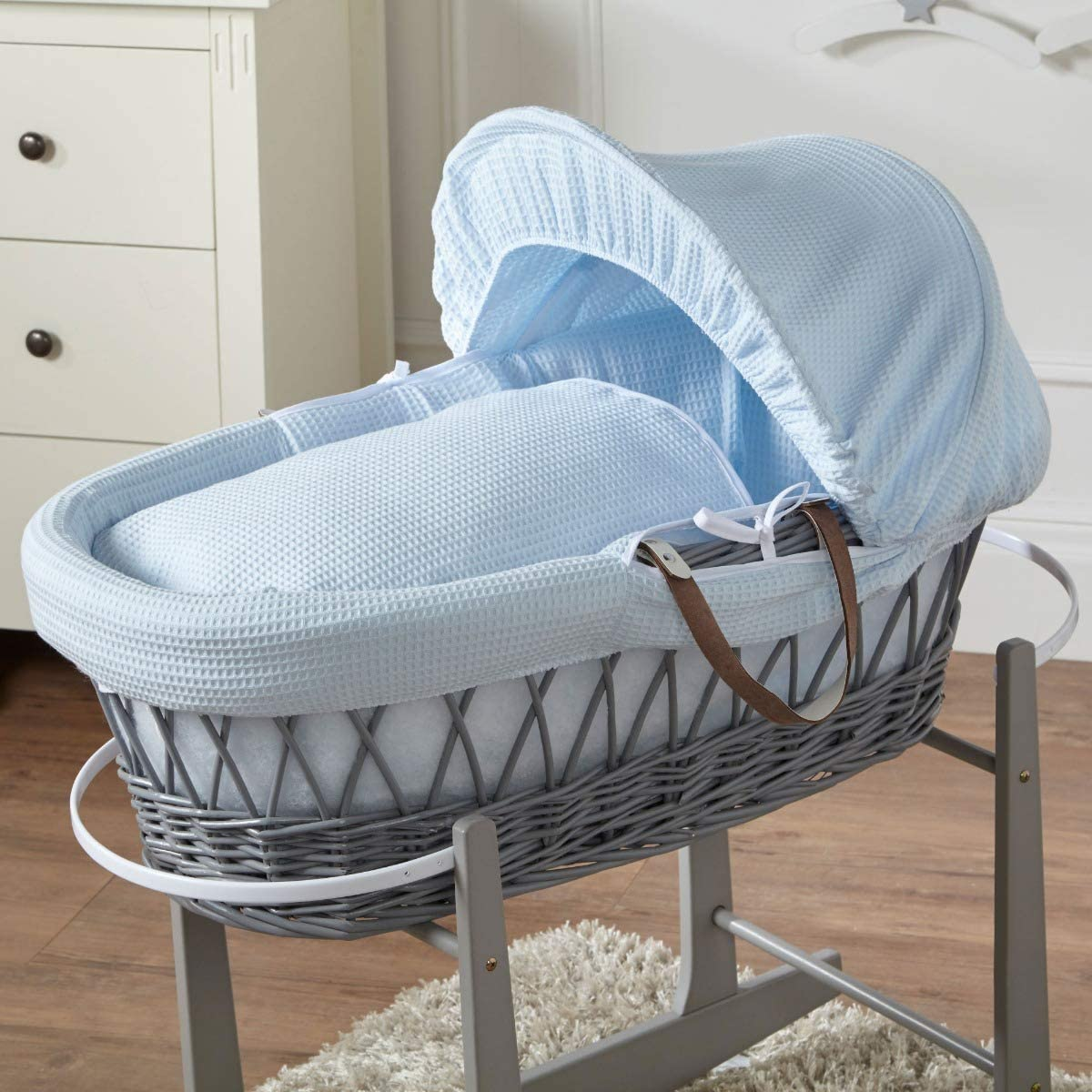FYLO Blue Waffle Grey Wicker Moses Basket with Grey Rocking Stand
