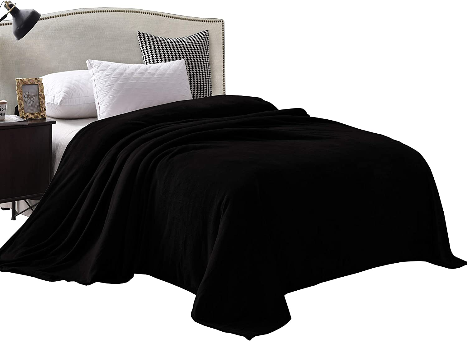 "Exclusivo Mezcla Luxury King Size Flannel Velvet Plush Solid Bed Blanket as Bedspread/Coverlet/Bed Cover (90"" x 104"", Black) - Soft, Lightweight, Warm and Cozy"