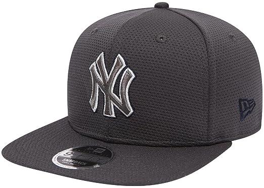 New Era 9Fifty Tone Tech Redux MLB New York Yankees Cap Grey  Amazon ... d8e69a24fe9