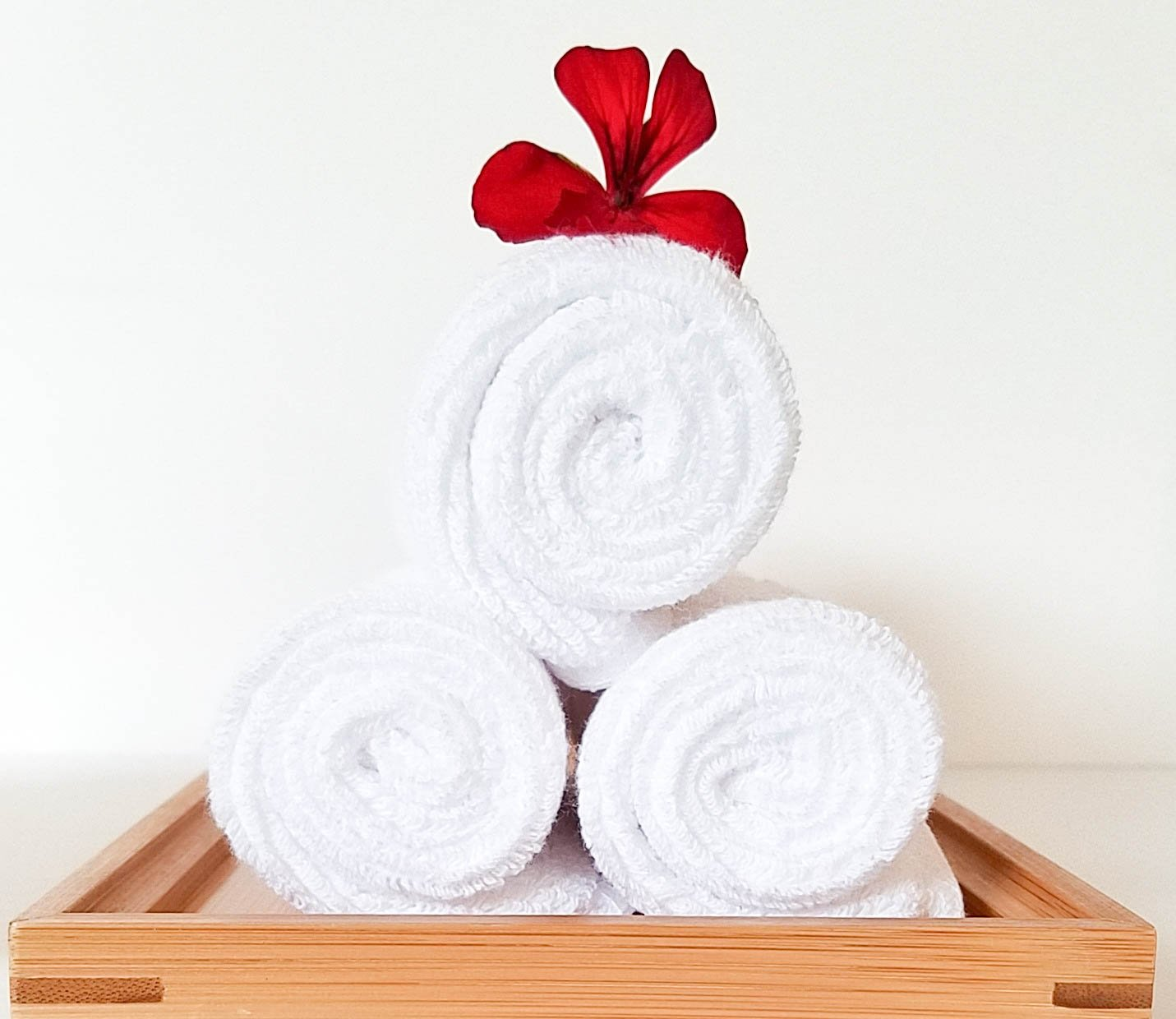 Spa Towels & Wood Tray Set: 6 pack Pure White 100% Cotton Washcloths (Bamboo Wood)