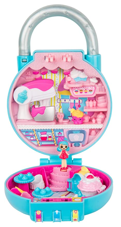 98966895cc7 Amazon.com  Shopkins Lil  Secrets Secret Lock - Great Bakes Cupcakes  Toys    Games