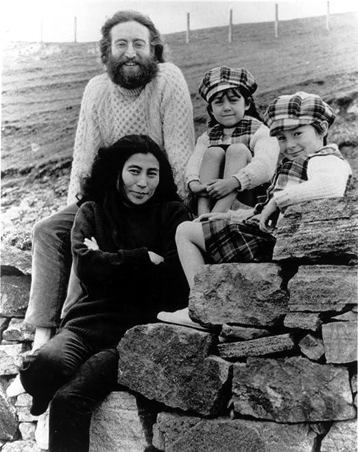 Amazon Com Posterazzi John Lennon Yoko Ono And Children Photo Print 8 X 10 Home Kitchen