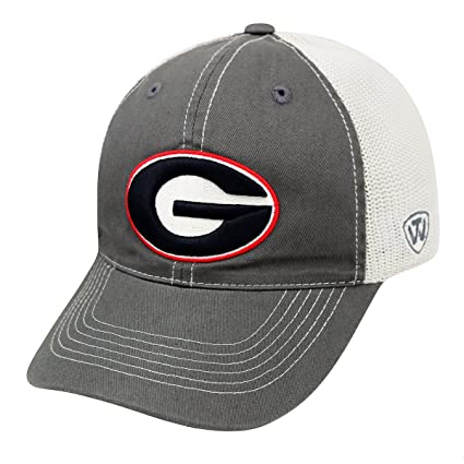 bc4ae788c14 Amazon.com   Georgia Bulldogs UGA Realtree Camouflage Mesh Trucker Hat    Sports   Outdoors
