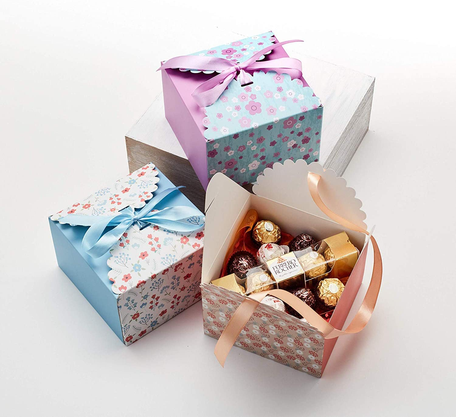 Party Christmas Weddings Bridesmaids Hayley Cherie Gift Treat Boxes with Ribbons Large Candy 20 Pack - Thick 400gsm Card for Cakes Birthdays Cookies 7.3 x 7.3 x 4.6 Inches Goodies