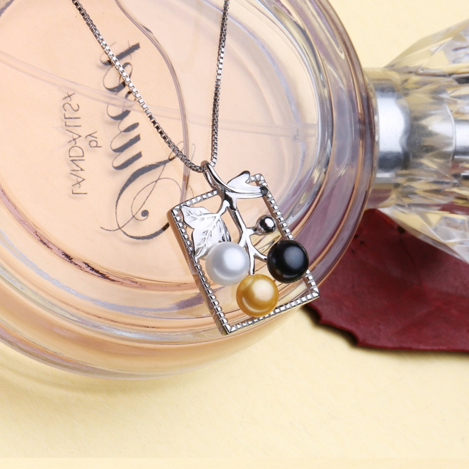 MMC Three Pearl Beads Silver Pendants Necklaces