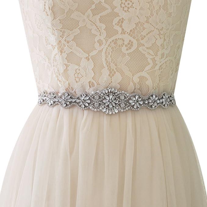 ee8fa276b Un cinturón con apliques especiales en materiales resistentes para decorar tu  vestido de novia. Por su larga longitud puedes adaptarlo a cualquier talla  o ...