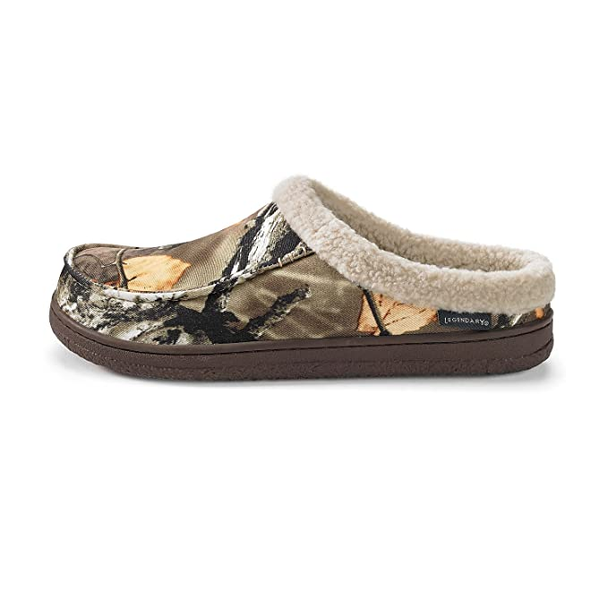 b132d29975bc Amazon.com  Legendary Whitetails Men s Baseline Clog Big Game Field Camo 9   Sports   Outdoors