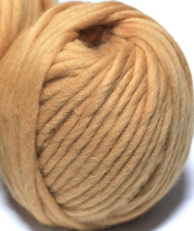 0.5lb Merino Wool Super Chunky Yarn Big Roving Yarn for Loom Weaving Knitting,Crocheting an Felting,Blanket Yarn Cream, Medium-20mm