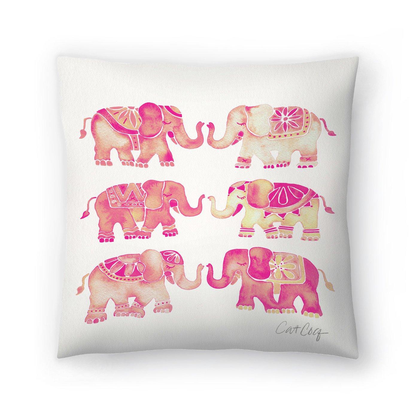 Amazon.com: Americanflat - Cojín rosa con diseño de elefante ...