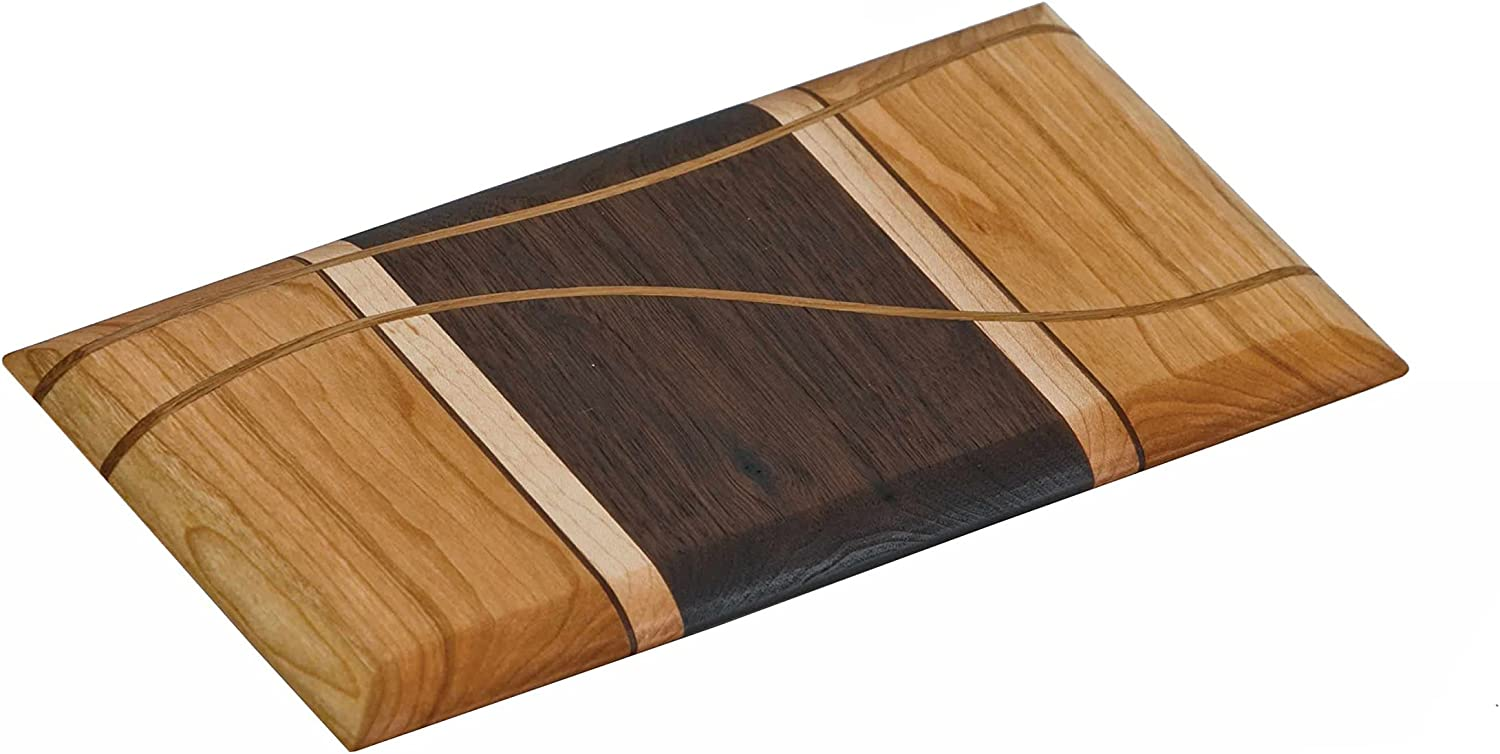 Amazon Com Picnic Plus Made In Usa Cherry Walnut Maple Cheese Board Amish Crafted Kitchen Dining