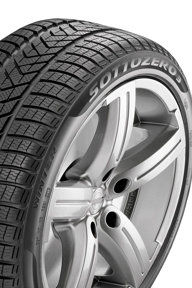 E//B//72 Winter Tire Pirelli Winter SottoZero 3-225//45//R18 95V