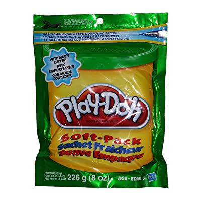 Play-doh-resealable -Soft Pack Green- W/ Shape Cutter: Toys & Games