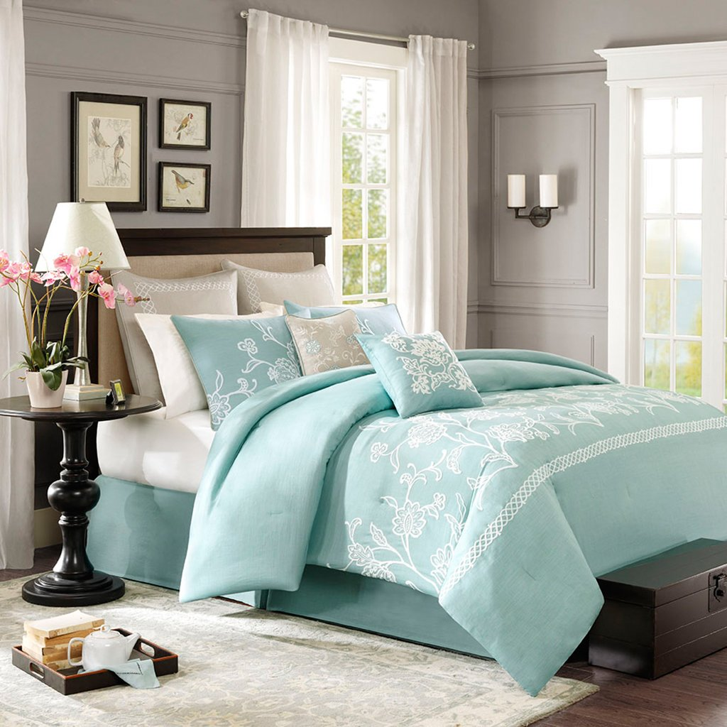 Harbor House 4-Piece Landon Comforter Set, Cal King, teal blue