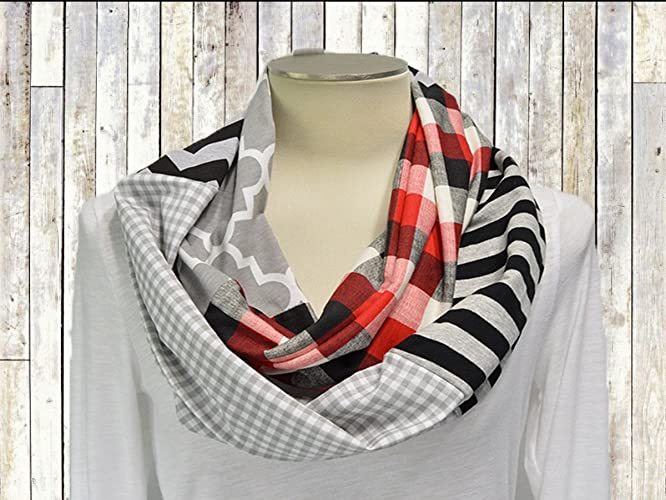 a9a6222ea Image Unavailable. Image not available for. Color: Valentine's Day Infinity  Scarf ...