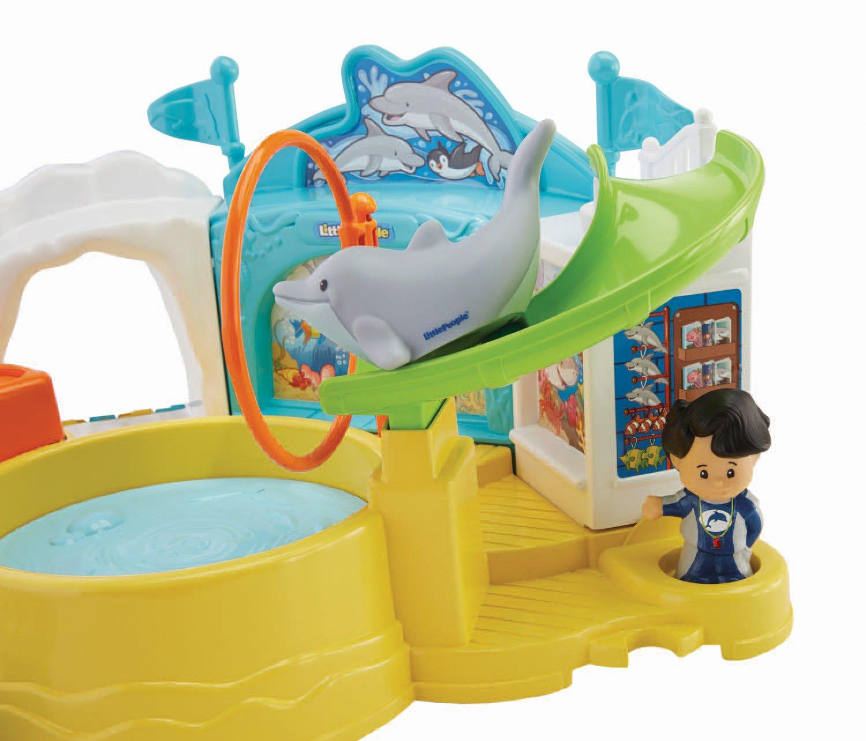 Amazon Fisher Price Little People Aquarium Visit Toys & Games