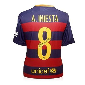 exclusivememorabilia.com 2015-16 de Barcelona Camiseta de fútbol firmada por Andrés Iniesta: Amazon.es: Juguetes y juegos