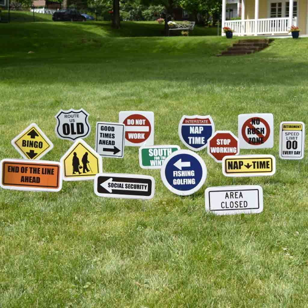 Amazon.com: Retirement Yard Decoration - Retirement Road Signs (15 ...