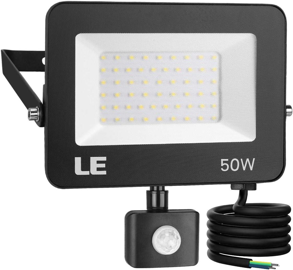 LE 50W Foco LED Exterior con Sensor Movimiento PIR, 5000 lumen, Foco LED Sensor IP65 Impermeable, Blanco Frío 5000 K, Ángulo de haz 120°, Foco LED Detector para Jardín, Garaje, Hotel, Patio, etc.