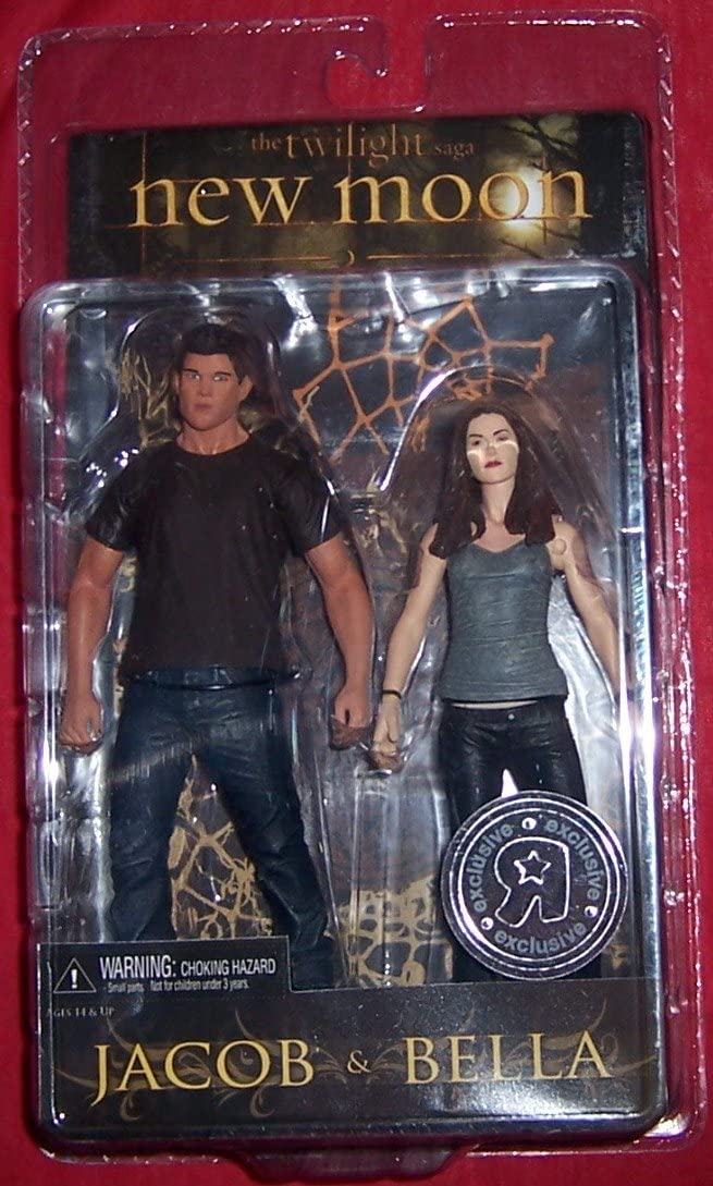 The Twilight Saga New Moon Action Figure 2 Pack (Jacob and Bella)