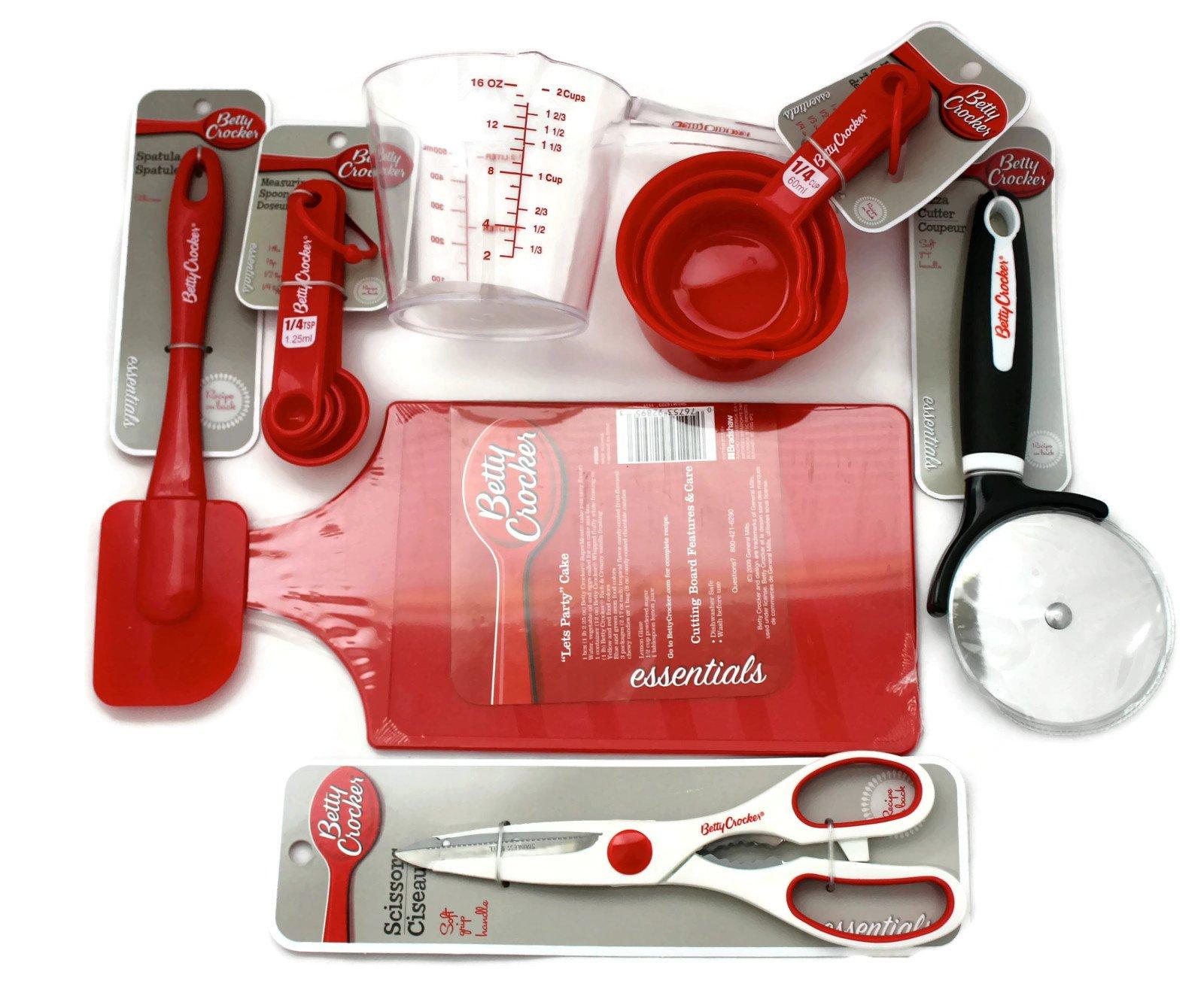 Bundle of 7 Betty Crocker Essential ''Starter'' Kitchen Gadgets- Includes Measuring Cups, Measuring Spoons, Spatula, Cutting Board, Pizza Cutter, Scissors, 2 Cup Measuring Cup Plus SIX FANTASTIC Betty Crocker Recipes!!