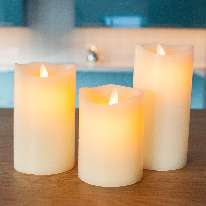 Lot de 3 Bougies LED Cr/èmes en Cire avec Flamme Dansante par Lights4fun