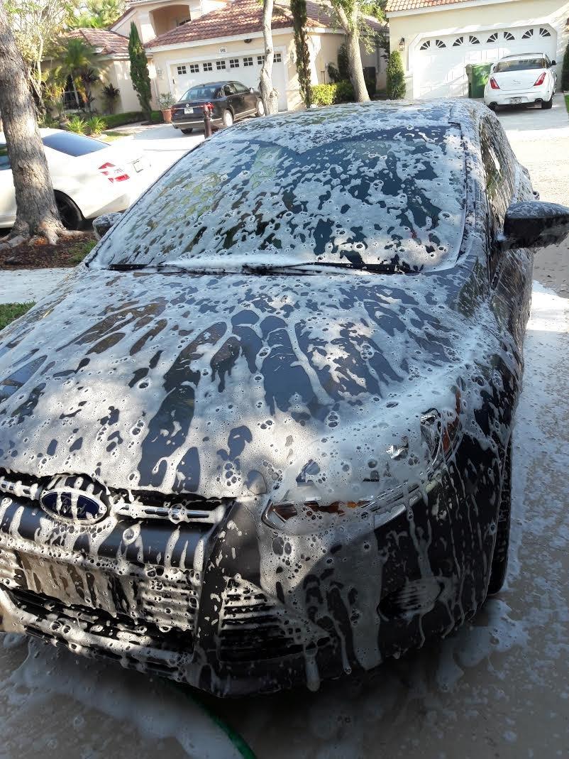 Amazon.com: Turbo Wax Car Shampoo (16oz Bottle), Gloss Enhancing Shampoo for Show Room Shine: Automotive