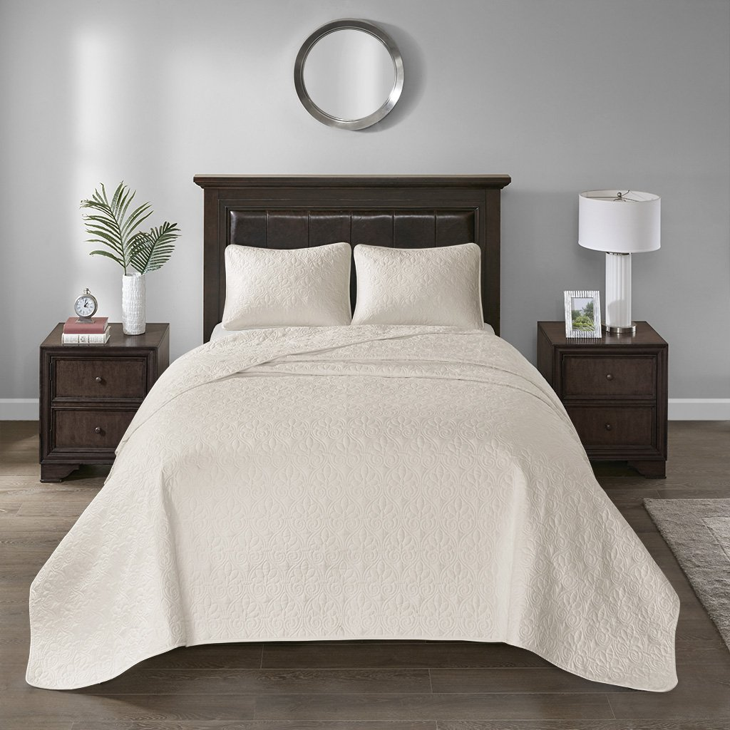 Madison Park Quebec Twin Size Quilt Bedding Set - Ivory, Damask – 2 Piece Bedding Quilt Coverlets – Ultra Soft Microfiber Bed Quilts Quilted Coverlet