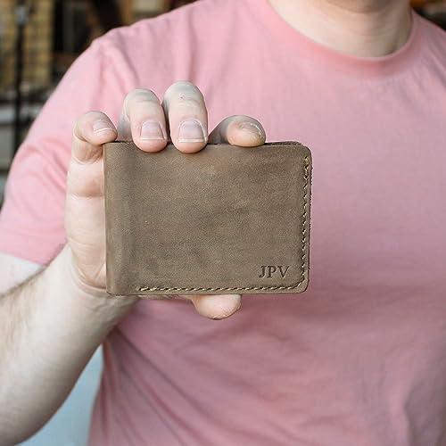 01f74c9ac3b Amazon.com  Pegai Personalized Minimalist Classic Billfold Cash Wallet