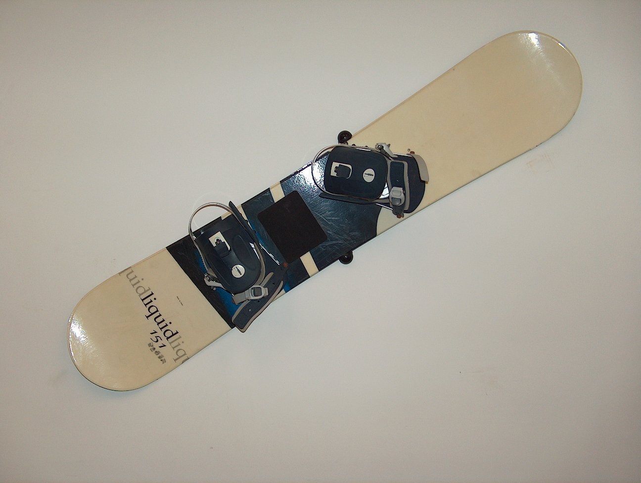 HANGTIME Snowboard Wall Mount - Black