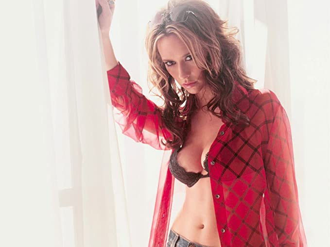 bra Jennifer love hewitt
