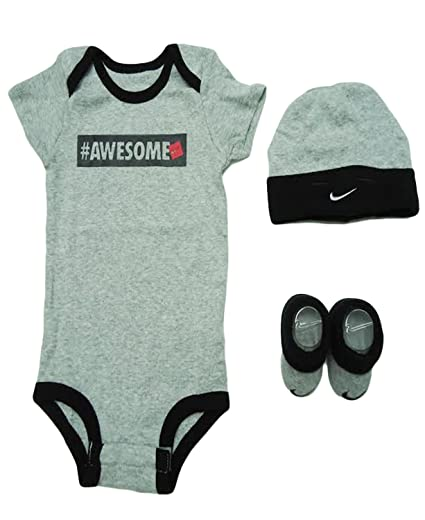 227e910f0d67b Amazon.com: Nike Awesome 3 Piece Infant Outfit Gift Set (0-6 Months ...
