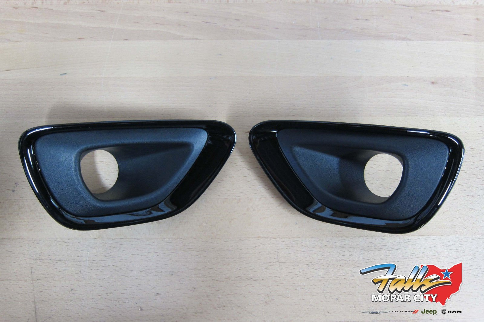 Jeep Grand Cherokee Altitude Black Fog Lamp Bezels Mopar OEM by Mopar