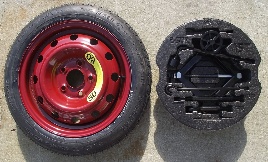 Factory 2014 Kia Forte Spare Tire Kit (2Dr Koup & 5Dr Hatchback models. for vehicles with 16'' wheels)