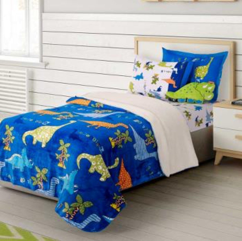NEW COLLECTION DINOSAURS BOYS BLANKET WITH SHERPA VERY SOFTY,THICK,WARM,FLAT SHEET,FITTED SHEETS,PILLOWCASES AND WINDOWS PANELS 8 PCS TWIN SIZE