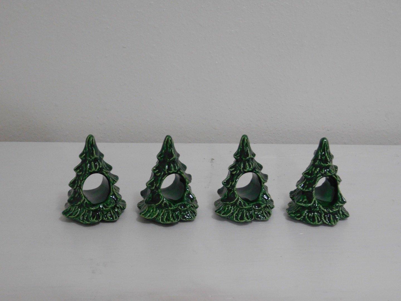 Christmas Tree Napkin Rings.Amazon Com Ceramic Christmas Tree Napkin Rings 4 Per Set