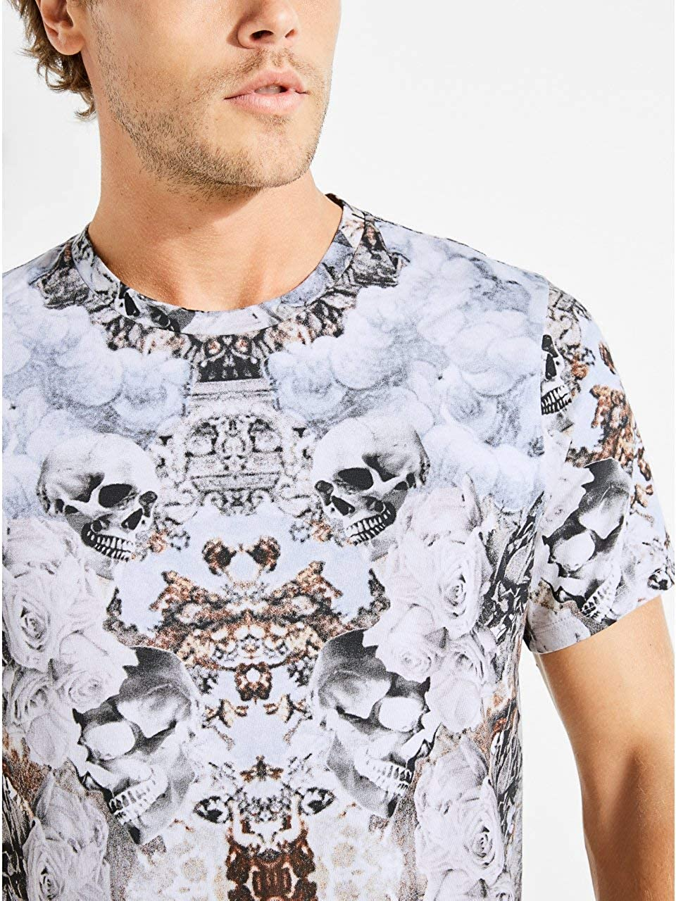 GUESS Mens Short Sleeve Dreams Crew Neck T-Shirt