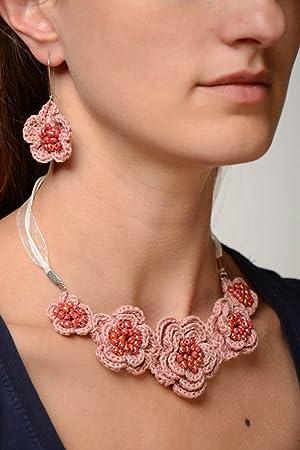 4e3b009dd03d Juego de accesorios de tela artesanales tejidos a ganchillo collar y  pendientes  Amazon.es  Hogar