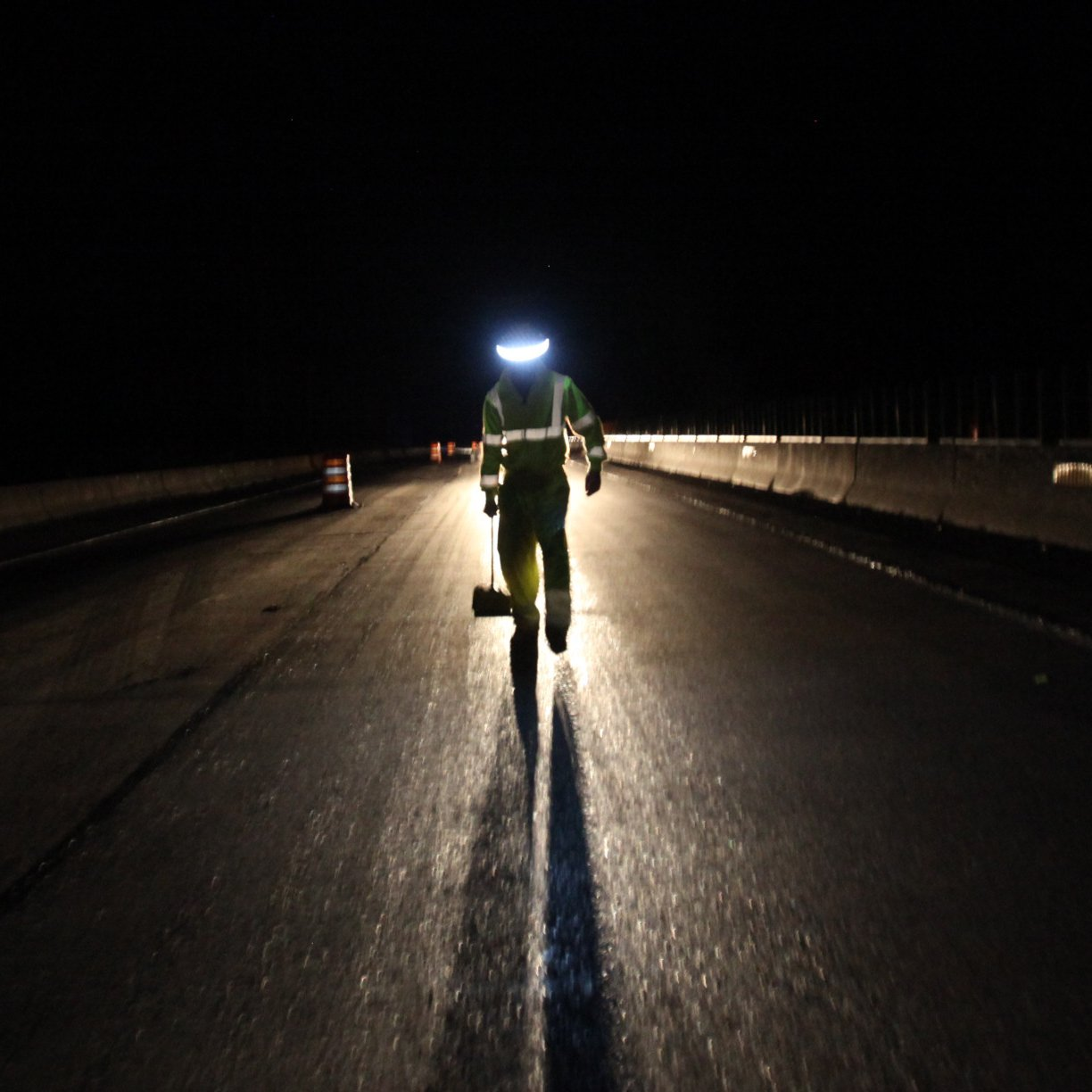 ILLUMAGEAR HAWF-01A Halo 360-Degree LED Personal Safety and Task Light, for Hard Hat by ILLUMAGEAR (Image #6)