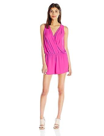 28de47e7c456 Amazon.com  BCBGMAXAZRIA Women s Thalia Sleeveless V-Neck Romper  Clothing