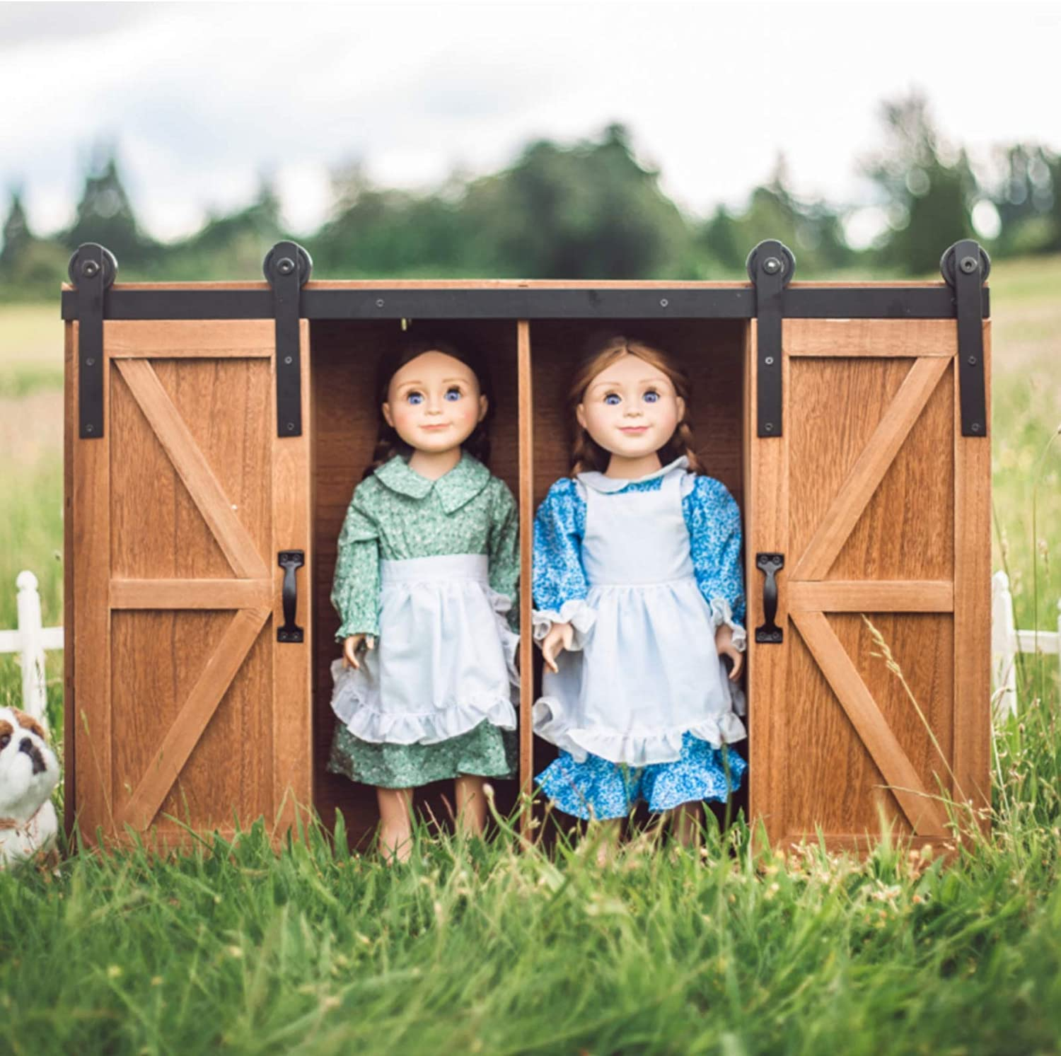 The Queen's Treasures 18 Inch Doll Furniture, Officially Licensed Little House On The Prairie Doll, Clothes and Accessory Storage Trunk, Compatible with American Girl Dolls