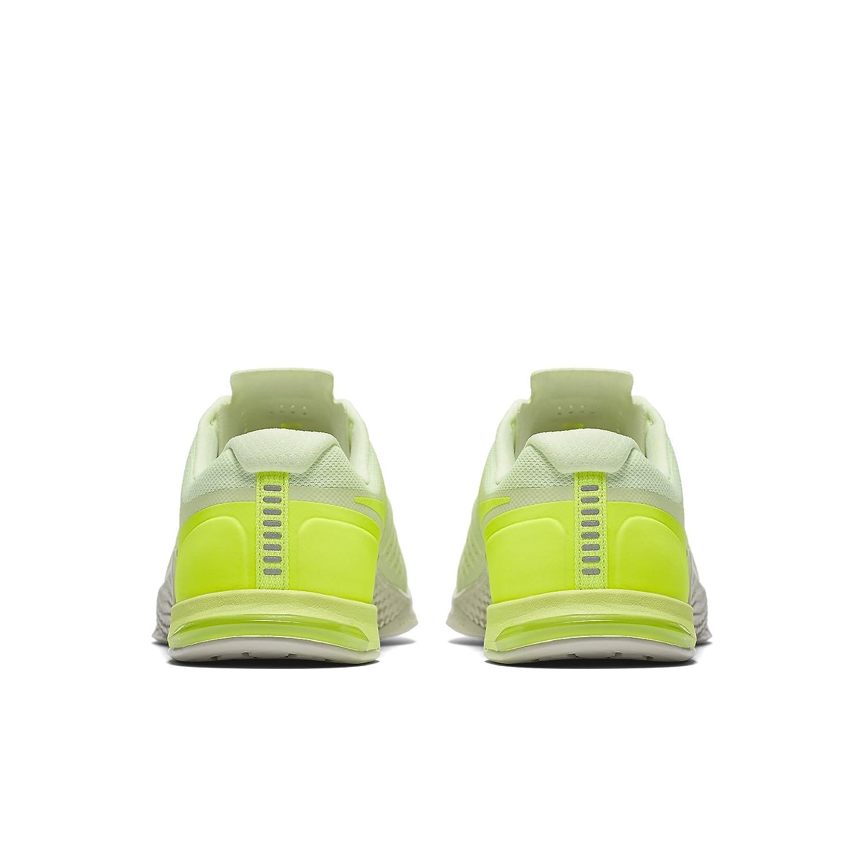 8da23e93fe68 Nike Men s s Metcon 2 Amp Holiday Gymnastics Shoes  Amazon.co.uk  Shoes    Bags