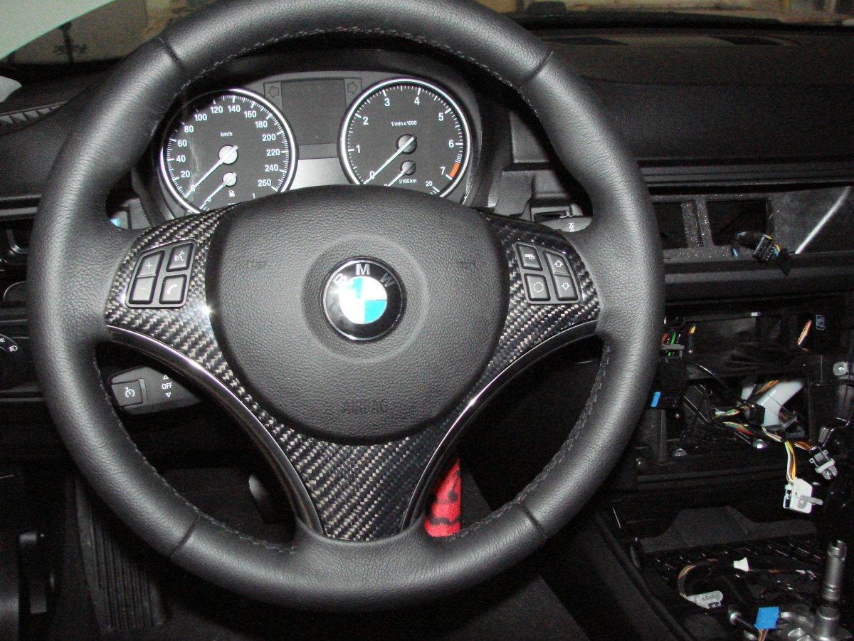 Amazoncom AutoTecknic Carbon Fiber Steering Wheel Trim BMW E - Bmw 325i steering wheel