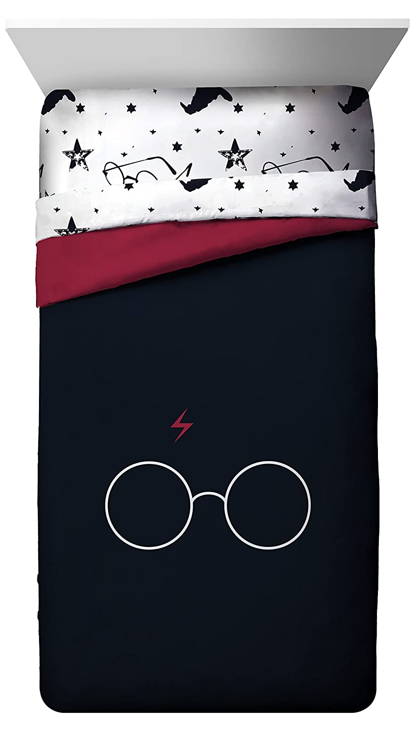 Jay Franco Harry Potter Always Glasses & Lightning Bolt Super Soft Kids Reversible Twin/Full Comforter, Bedding Features - Fade Resistant Polyester Microfiber Fill (Official Warner Brothers Product)