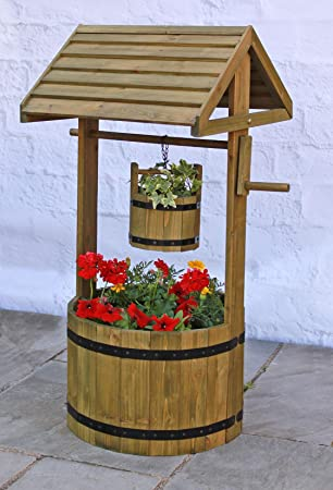 Beau Decorative Wooden Wishing Well Patio Planter.