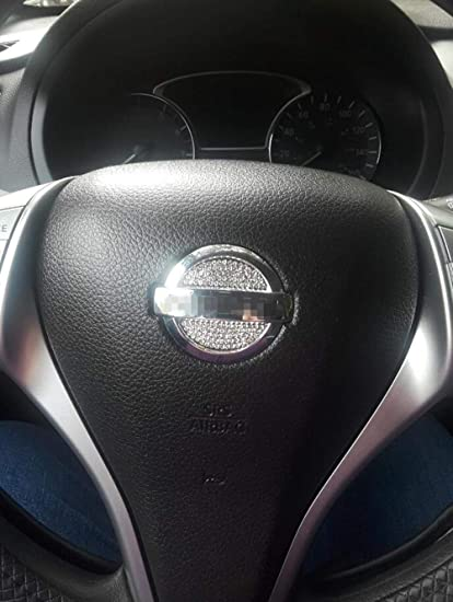 Car Interior Trim Fashion Bling Accessories Crystal Diamond fit for Nissan ALTIMA Qashqai X-Trail Teana Tiida Terra Murano Patrol Steering Wheel Sign Logo Decals Sticker
