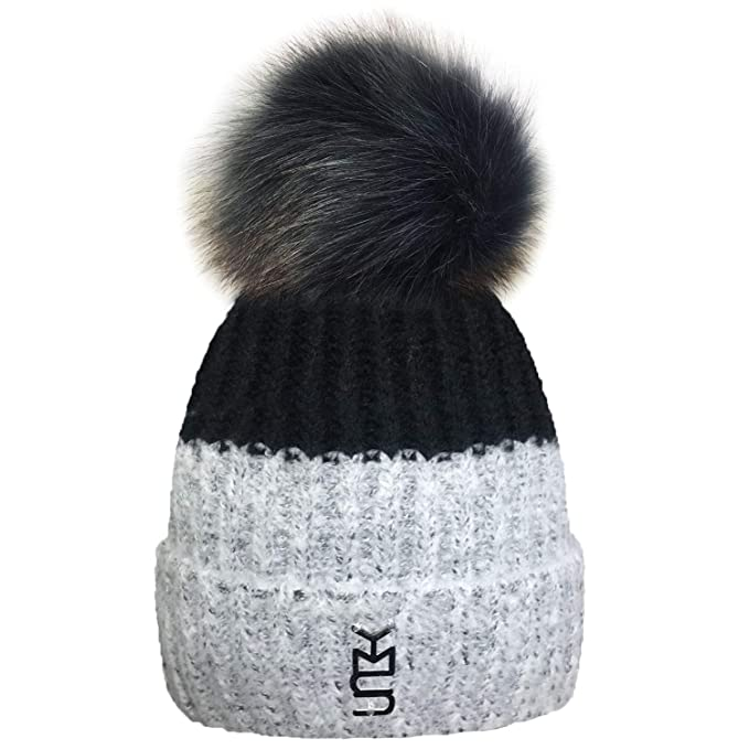 a6b8c14fd9f TOSKATOK® Ladies Womens Winter Warm Cosy Two Tone Beanie Bobble HAT with  Large Faux Fur POM POM  Amazon.co.uk  Clothing